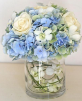 Blue and White ELEGANT MIXTURE OF FLOWERS