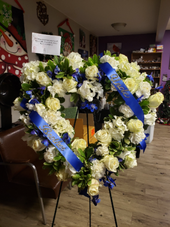 Blue and white wreath Standing wreath