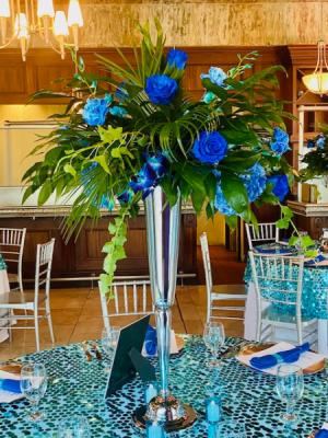 Blue Bayou Reception Centerpiece in Summerville, SC | The Tilted Tulip