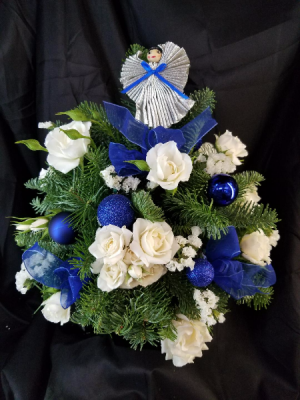 Blue Christmas  in Clearwater, FL | FLOWERAMA