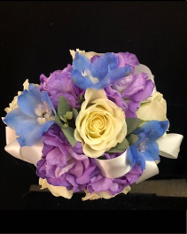 Blue moon Corsage