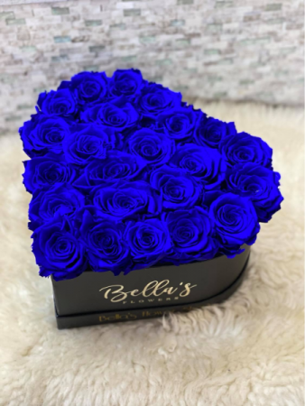 BLUE ROSE HEART BOX ROSES THAT LAST A YEAR
