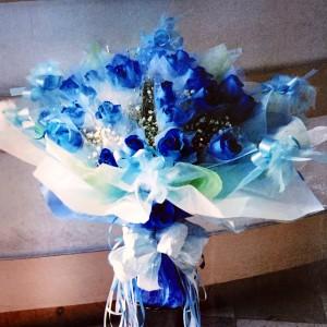 Blue Roses bouquet  Hongkong Style