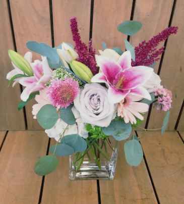 Blush and Bashful vase arrangement