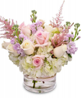 BLUSHING BEAUTIFUL ELEGANT MIXTURE OF FLOWERS