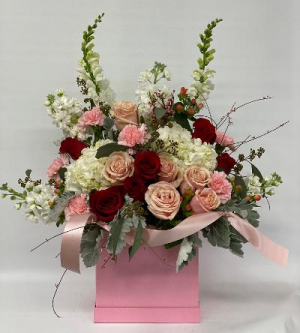 Blushing Bombshell Hat box in Queensbury, NY | A LASTING IMPRESSION