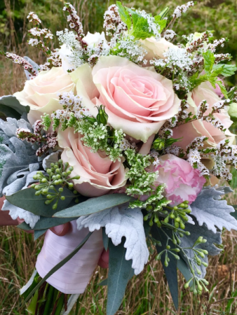 Blushing Bride Handtied style brides bouquet