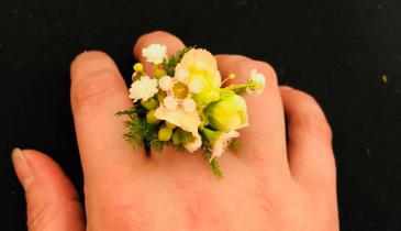 Blushing Love Ring Corsage