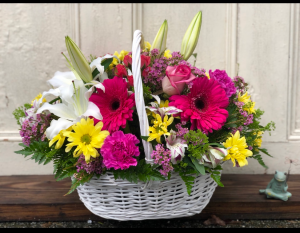 Bold Basket  in Woburn, MA | HILLSIDE FLORIST INC.