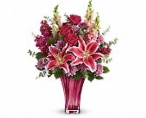 Bold Elegance Anniversary, Love, Romance, Mothers Day, Funeral, Birthday in Waterbury, CT   GRAHAM'S FLORIST