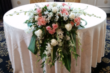 Helena Sweetheart table arrangement