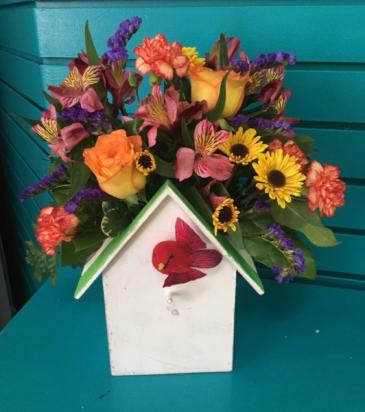 Bountiful birdhouse planter