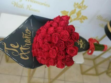 Bouquet 50 wrapped on black paper Bouquet Paper Wrapped black