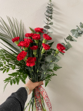 Bouquet of 12 Carnations
