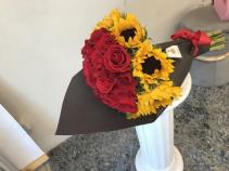 Bouquet Roses & Sunflowers  Bouquet