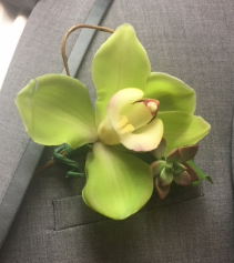 Boutinierre w/ Cym Orchid & succulent Prom