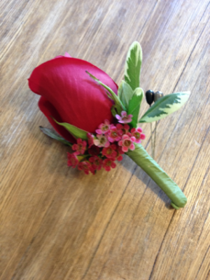 Boutonniere Rose in Hardwick, VT | THE FLOWER BASKET