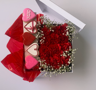 Box of Carnations and 5 cookies