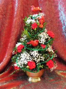 Boxwood Christmas Tree Abloom Original