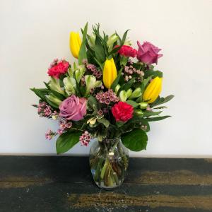 Breath of Fresh Air Vase Arrangement in Bluffton, SC | BERKELEY FLOWERS & GIFTS