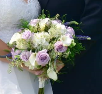 Bridal Bouquet Let Us know her perfered color