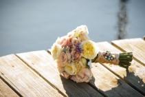 Bridal bouquets Handheld bouquets