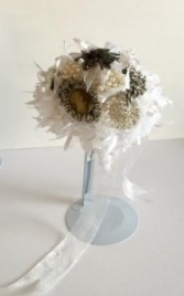 Bridal Bouquet - Queen Nostalgic Design
