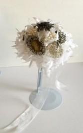 Bridal Bouquet - Queen Nostalgic Design