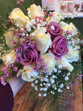 Bride,s   bouquet of roses 16 roses/ any color combo/ with filler
