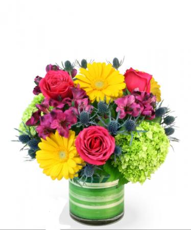 Bright and brilliant fresh arrangement