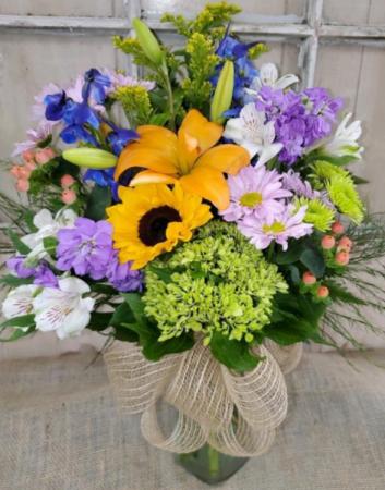 Bright & Colorul Floral Arrangement