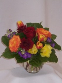 BRIGHTFULLY DRESSED- FLOWERS, ROSES, & GIFTS,   Bouquets