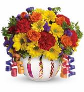 Brilliant Birthday Blooms   T28-1A  in Fort Worth, Texas | DAVIS FLORAL DESIGNS