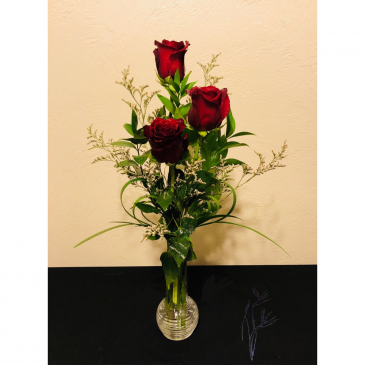 Classic Budvase Rose Arrangement