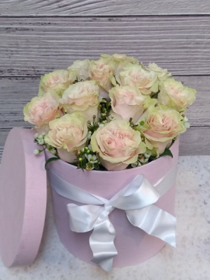 Build a Box Roses in San Rafael, CA | BURNS FLORIST