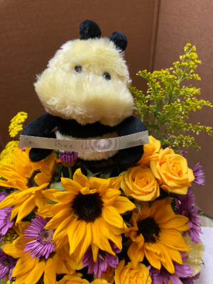 Bumble bee arrg . Bumble Bee close up photo  in Millville, NJ | Alisa Florals