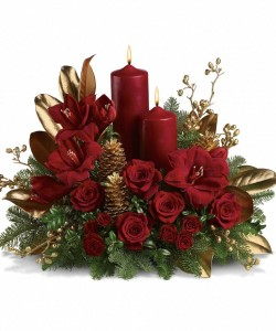 BURGUNDY BOUNTY  CHRISTMAS CENTERPIECE in Amelia Island, FL | ISLAND FLOWER & GARDEN