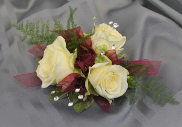 BURGUNDY TRIO CORSAGE IN STORE PICK UP ONLY WRIST CORSAGE