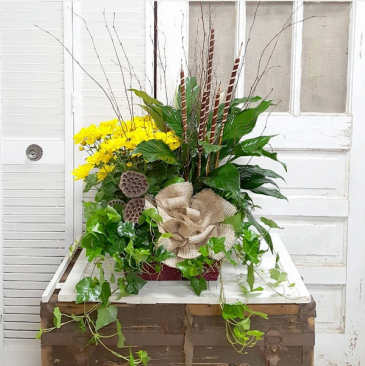 Burlap and Blooms European Garden Basket
