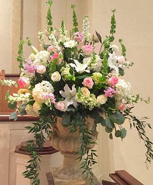 Bursting Ivory Pinks Table Arrangement in Hillsboro, OR | FLOWERS BY BURKHARDT'S