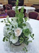 MINI CALLA LILIES AND HYDRANGEAS