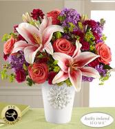 California Chic Bouquet Very pretty ceramic vase