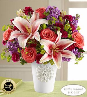 California Chic Bouquet Very pretty ceramic vase in Stafford, VA | Anita's Beautiful Flowers