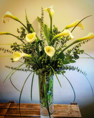 CALLA GALORE Table Arrangement