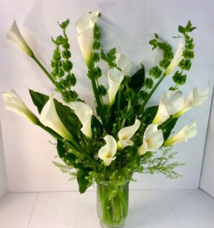 Calla Lily Creation In Troy Mi Della S Maple Lane Florist