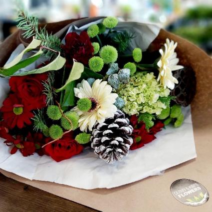 CANADIAN CHRISTMAS BOUQUET Cut Flower Bouquet