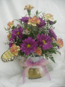 CANDLE ARRANGEMENT Fresh Flowers & candle jar.  Colors will vary.