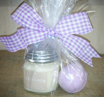 Candle With Bath Bomb & Soap Gift Set