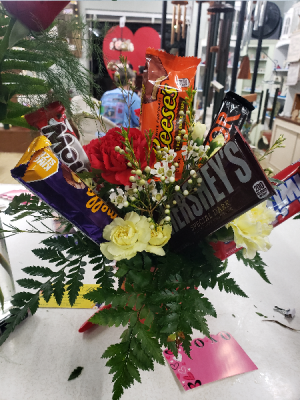 Candy Bar Bouquet Basket or Container in Union, MO | Sisterchicks Flowers and More LLC