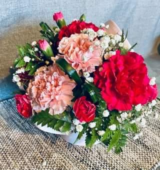 Carnations Hat Box